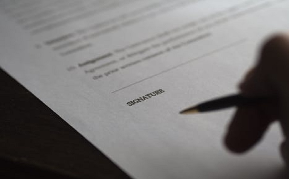 如何订立合同中的争议条款