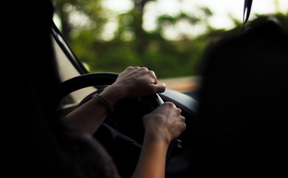 未成年开车撞人,谁来担责