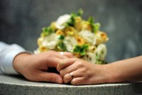 事实重婚如何取证?重婚罪举证由谁举证?