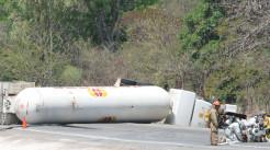 超载引起的交通事故司机需要承担什么责任...