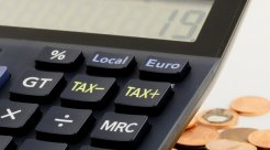 逾期多久会产生逾期利息,逾期利息的利率是...