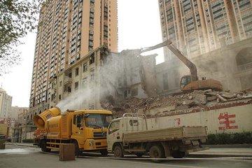 城镇居民房屋拆迁是如何赔偿的?遭强拆怎么办