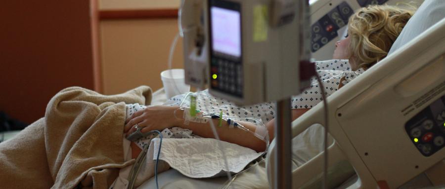 助产损害导致新生儿骨折属于医疗事故吗