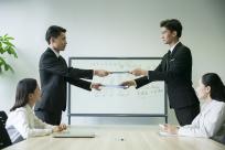 代签合同是否有效,签合同让别人代签可以吗