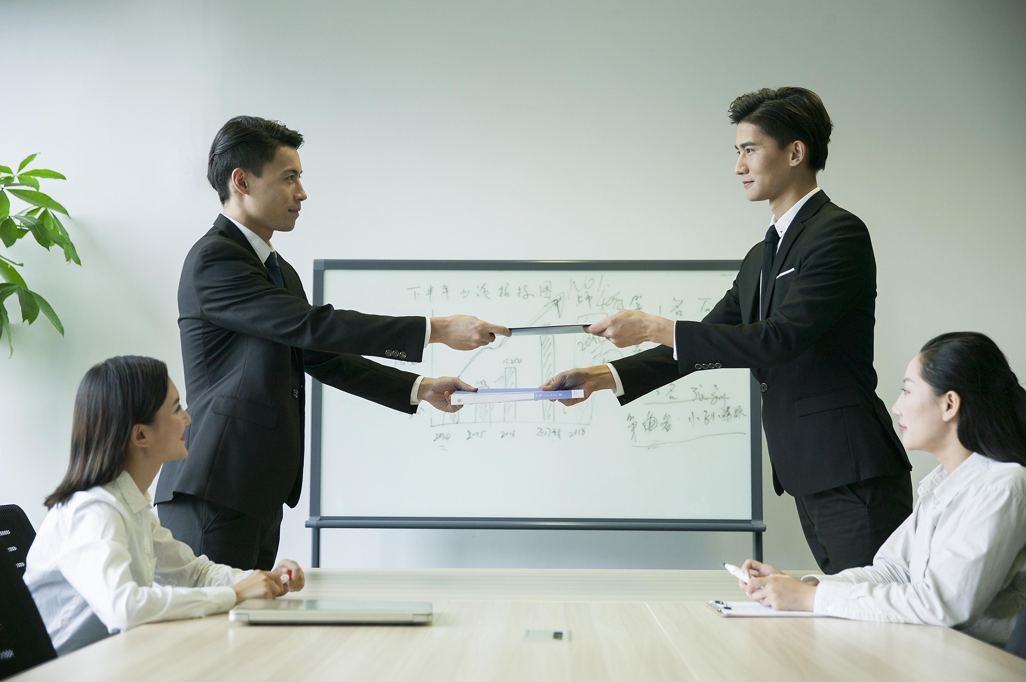 有限公司股东人数为两人时董事会如何设置