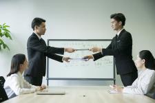 有限公司股东人数为两人时董事会如何设置...