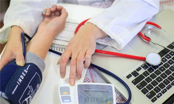 医疗过失致命医院应当怎么承担责任