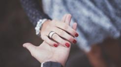 面对父母干涉婚姻的处理办法...
