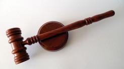 被害人可否就刑事证据进行质证...