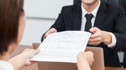 通常提出保险合同内容变更的人是谁...