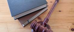 民间借贷被告不出庭要怎么判决呢...