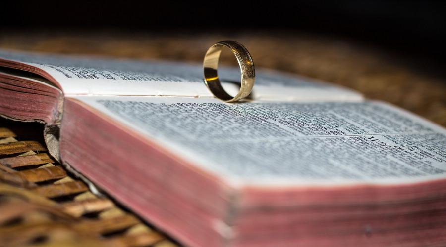 离婚调解原告可以不去吗