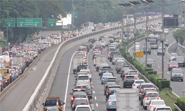 发生交通事故怎样保护现场