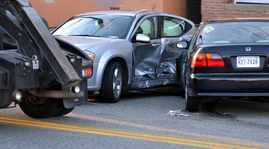 老人遭三车连撞身亡,肇事逃逸如何处罚