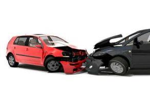 自己的车撞了自己的车,保险公司赔不赔?