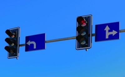 撞到闯红灯的行人  该不该赔?