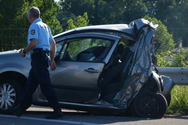 什么情况下发生车祸保险公司可以拒绝理赔?