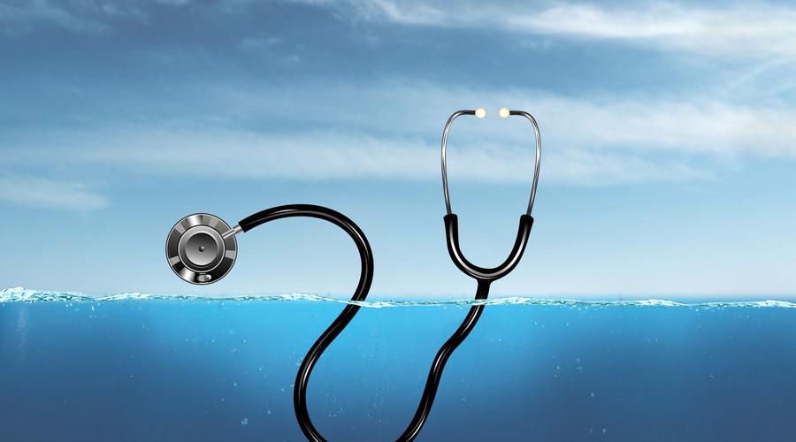 医生泄露病人个人隐私,应该负什么法律责任