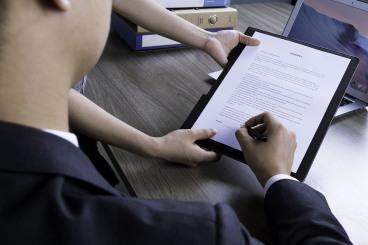 企业返聘退休人员应如何计算个人所得税