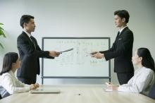 集体合同的期限一般是多久?公司还要签劳动合同吗