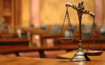 女方向法院起诉离婚孩子归谁