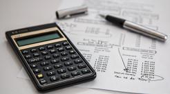 金融债务负担为负数的原因是什么...