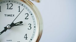 公司法规定股东出资期限是多久...