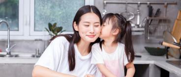 母亲再婚后可以要求子女随继父姓吗