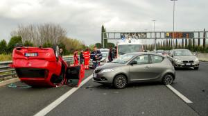交通事故如何报保险