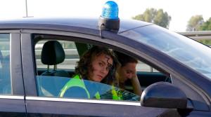 十字路口双方直行发生交通事故怎么判定责任