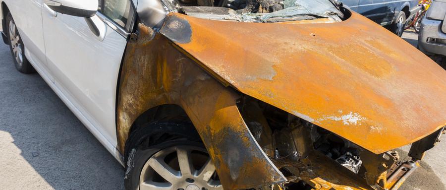 交通事故后离婚另一方需要负责吗