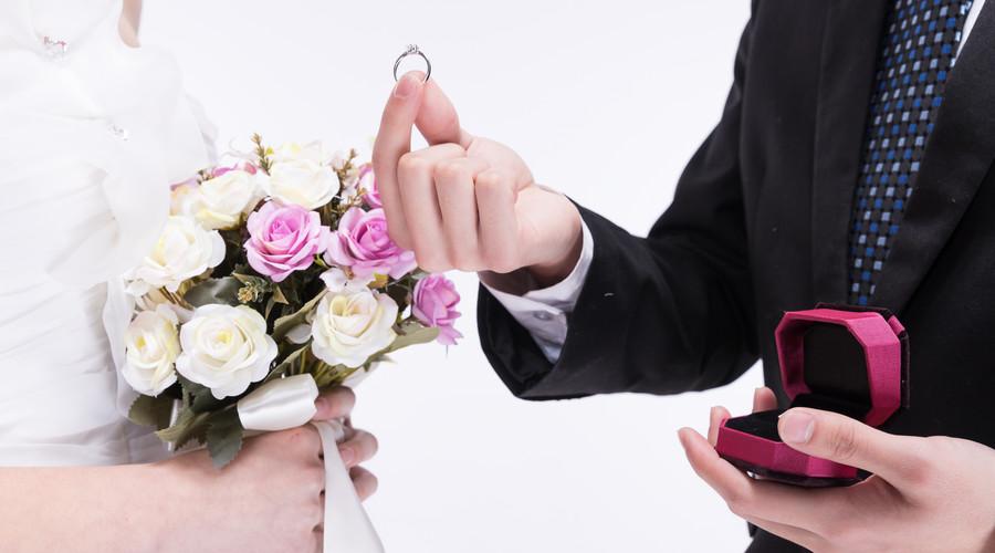 离婚是在民政局办理吗