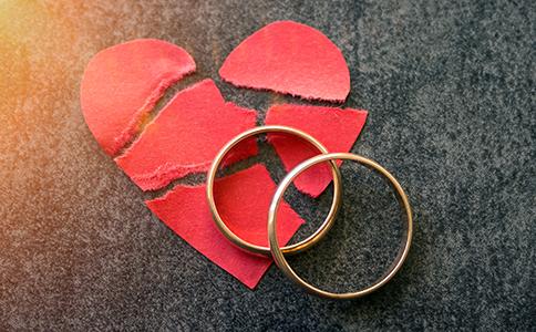 离婚案件缺席判决有什么坏处