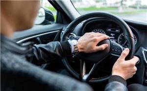 交通事故司机受伤保险公司赔吗